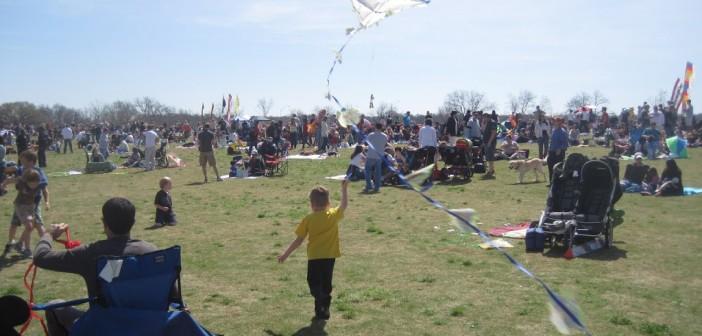 Garbage bag kite instructions