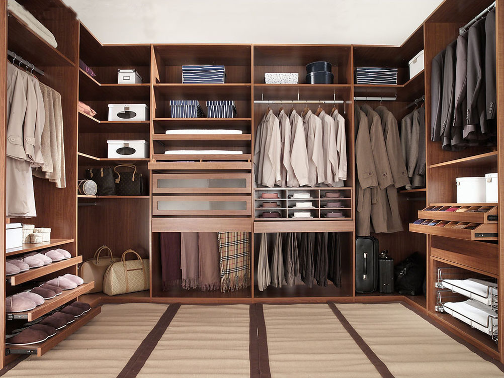 Easy diy how to build a walk in closet everyone will envy for Design your own walk in closet