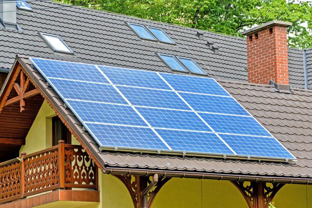 solar-panels-1477987_1280