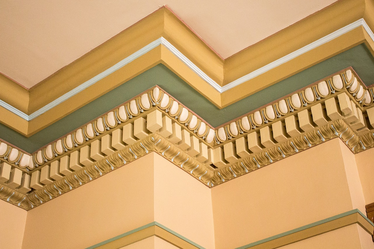 Don't be obtuse and cut corners with your crown molding.