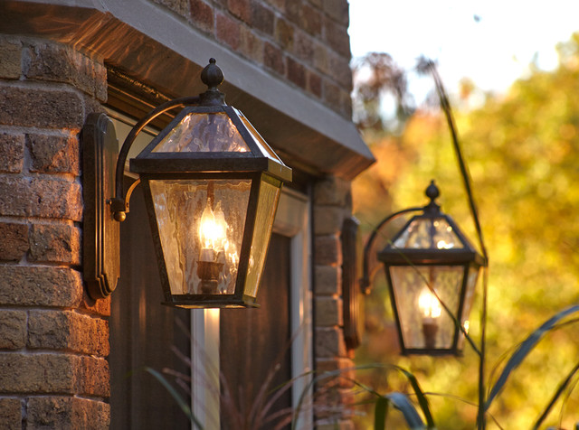 Traditional Outdoor Wall Lights And