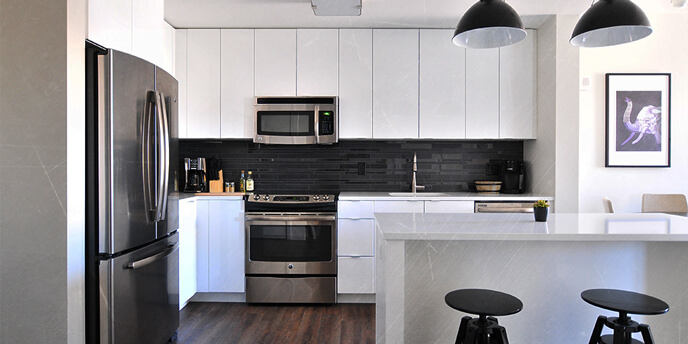 Kitchen Designed With Black and White Features