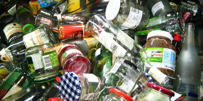Rinse Containers When Recycling Glass at Home