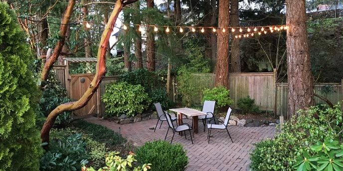 Backyard Patio Area at Doug and Rick's Victoria, BC Airbnb