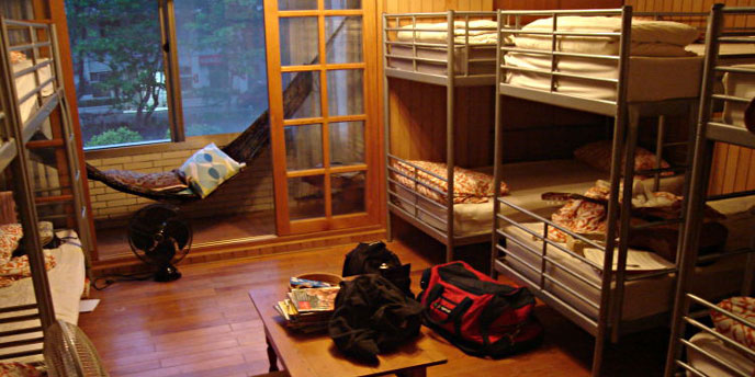 Airbnb Hostel Setup With Multiple Bunkbeds