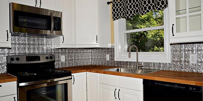Metal Tile Backsplash in Kitchen